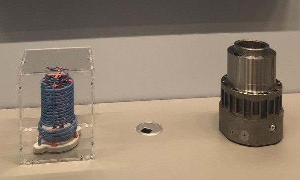 Spindle with additive manufactured parts